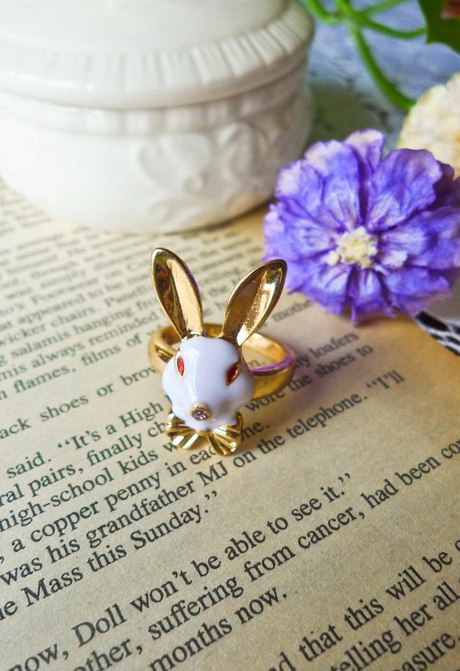 Alice In Wonderland Rabbit Ring