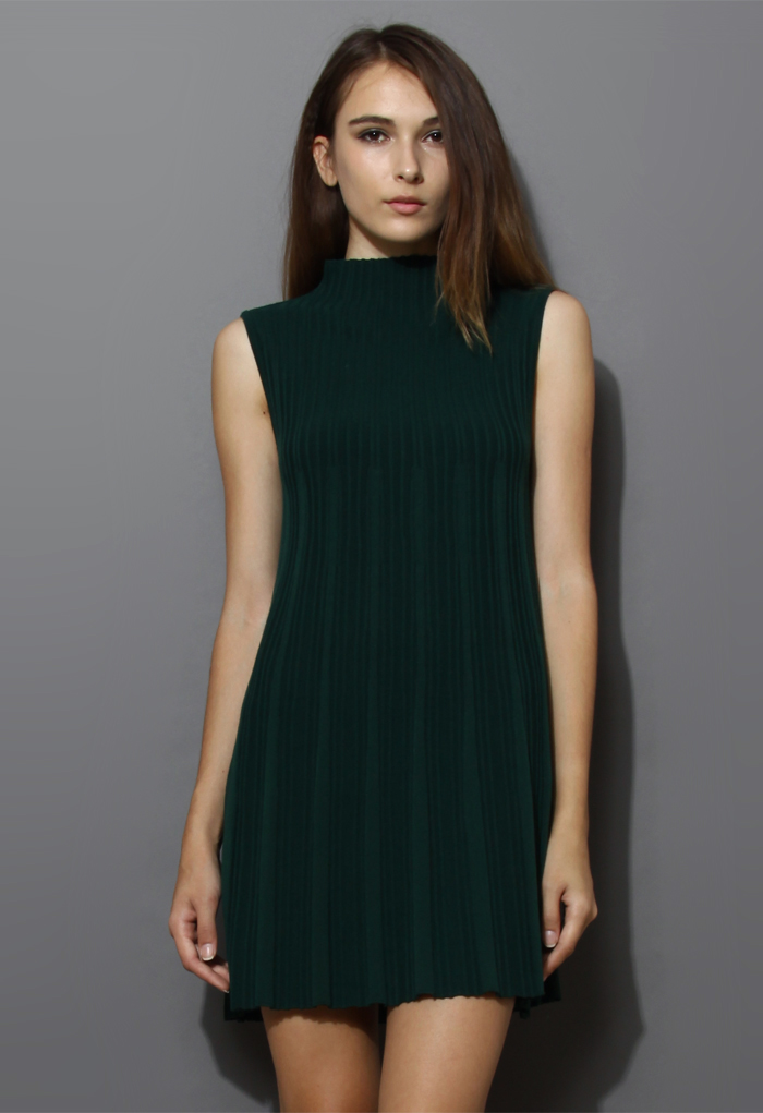 Polo Neck Pleated Dress in Darkgreen