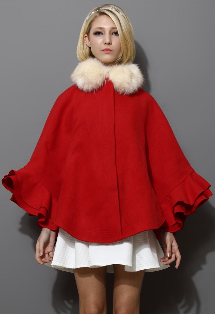 Detachable Faux Fur Collar Ruffle Cape in Red