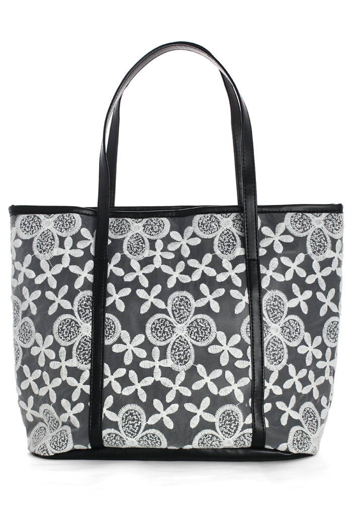 Daisy Floral Embroidery Tote Bag in White/Black