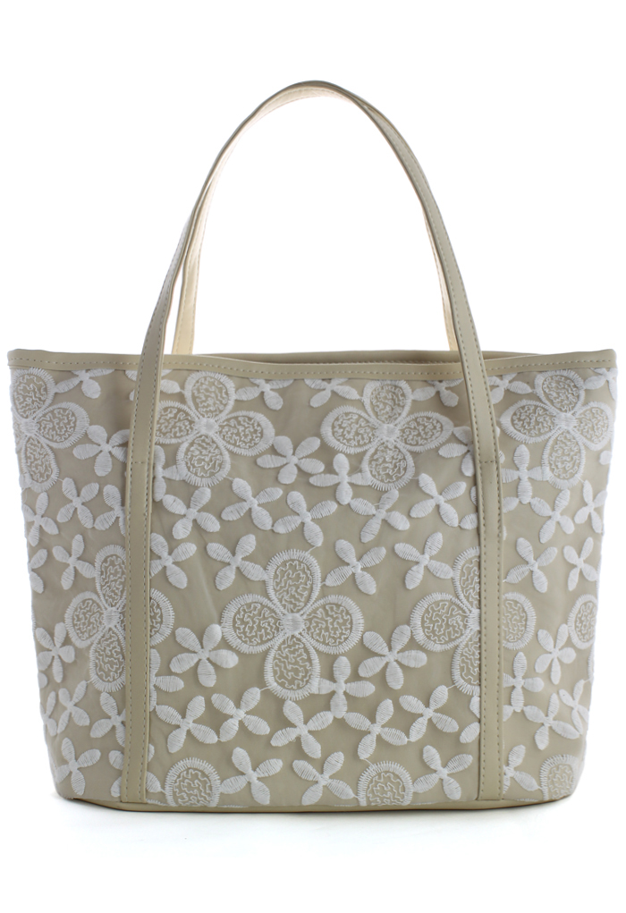 Daisy Floral Embroidery Tote Bag in Ivory