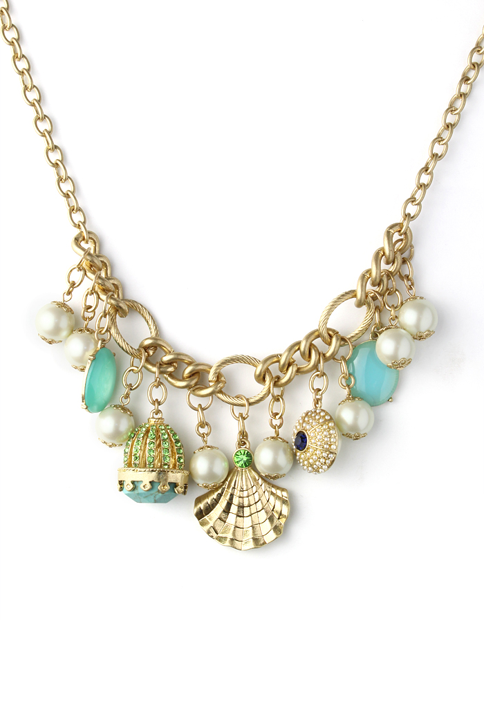 Crown Shell and Pearls Necklace