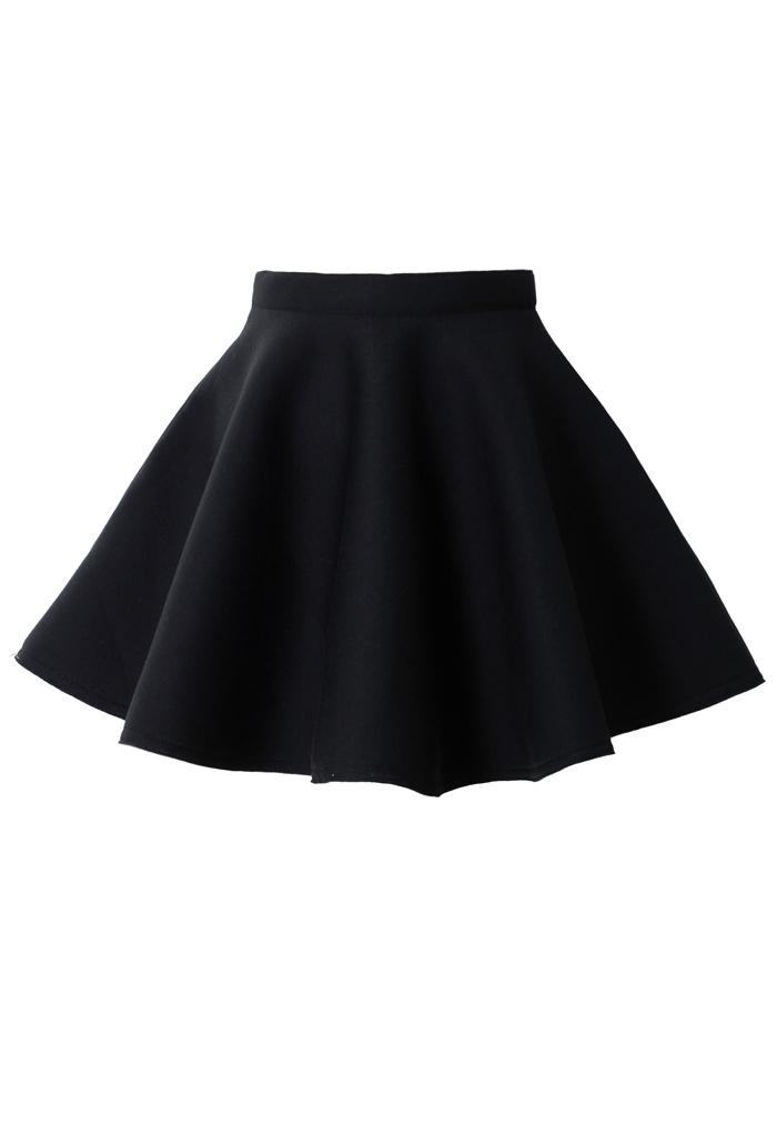 Airy Quilt Pleated Skater Skirt in Black