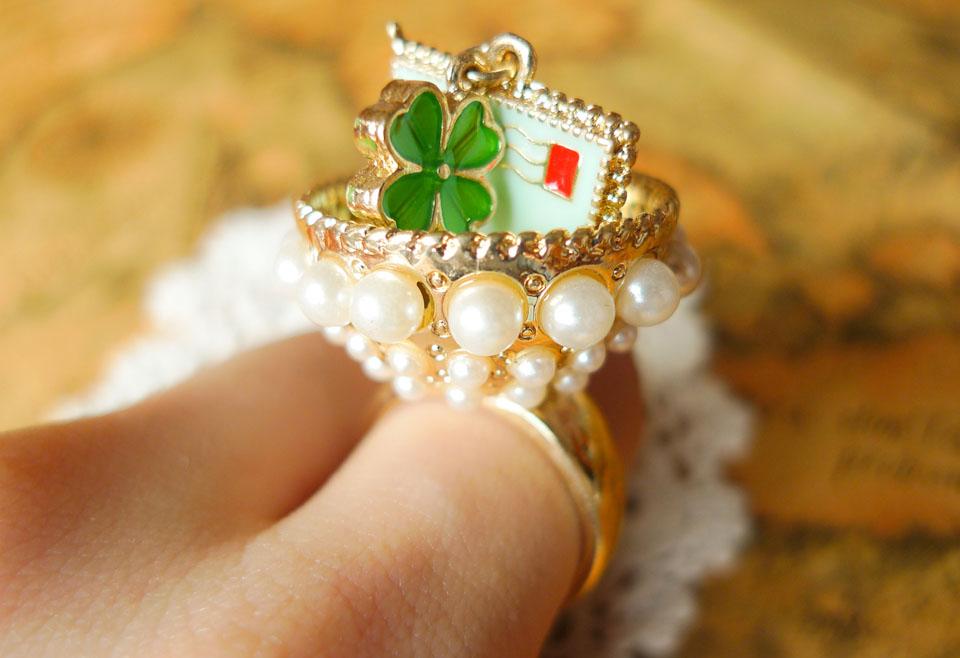 Clover Pearl Love Letter Ring