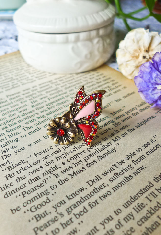 Retro Dancing Buttlerfly Ring