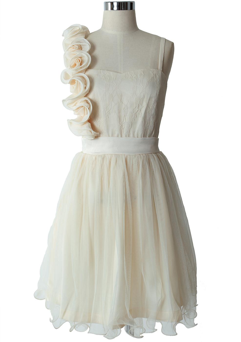 3D Flower Fluted Hemline Tulle Dress in Ivory