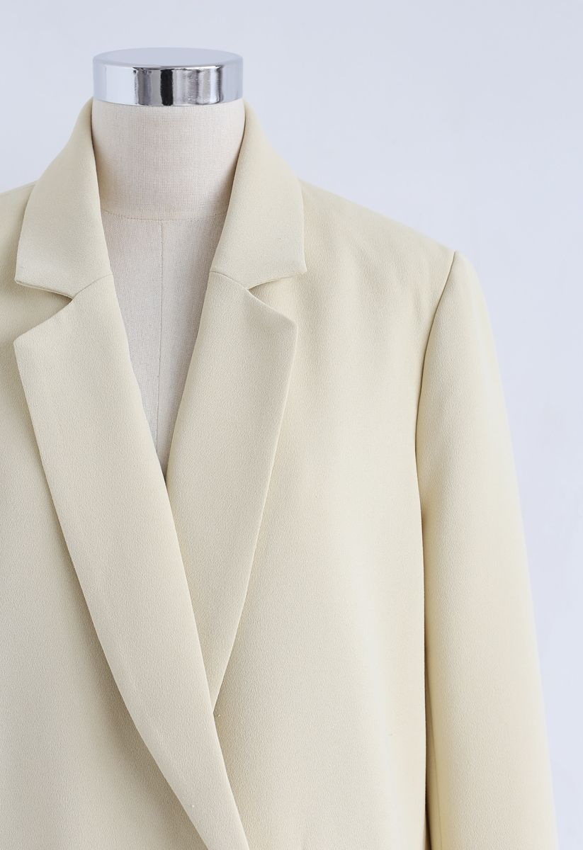 Shell Buttons Pocket Blazer in Cream
