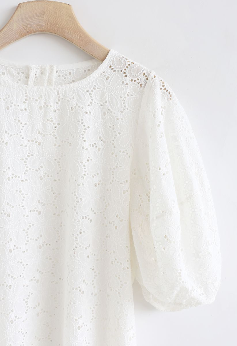 Full Flowers Embroidered Eyelet Puff Sleeves Top in White