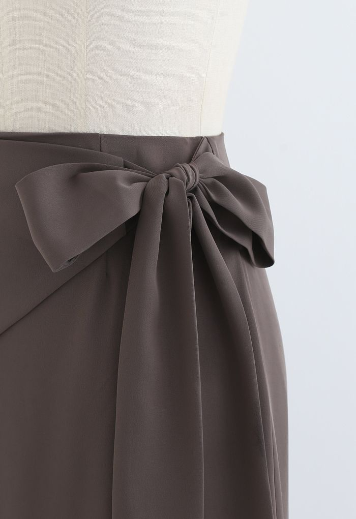 Bow-Tied Waist Shift Midi Skirt in Taupe