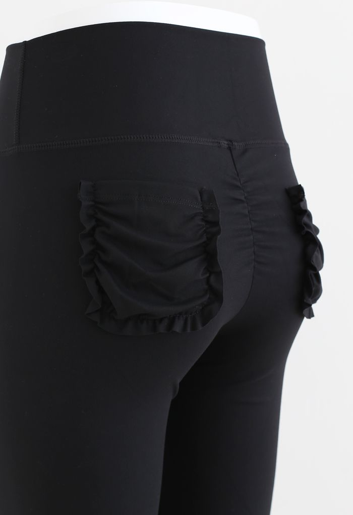 Lace-Up Front Sports Bra and Pockets Leggings Set in Black