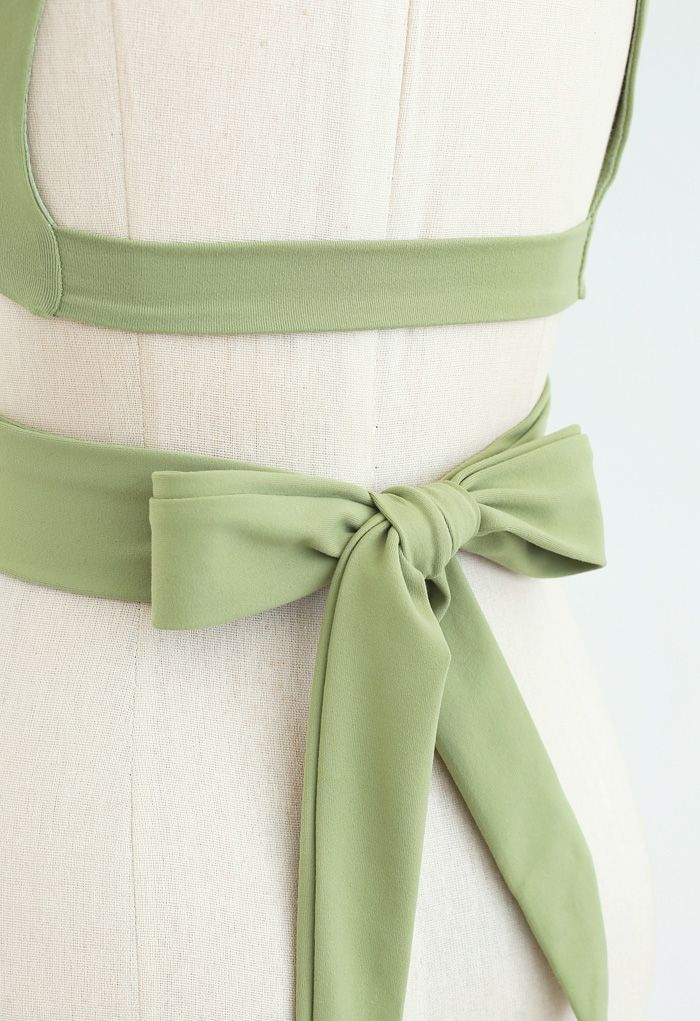 Open Back Bowknot Waist Sports Bra and Crop Leggings Sets in Green