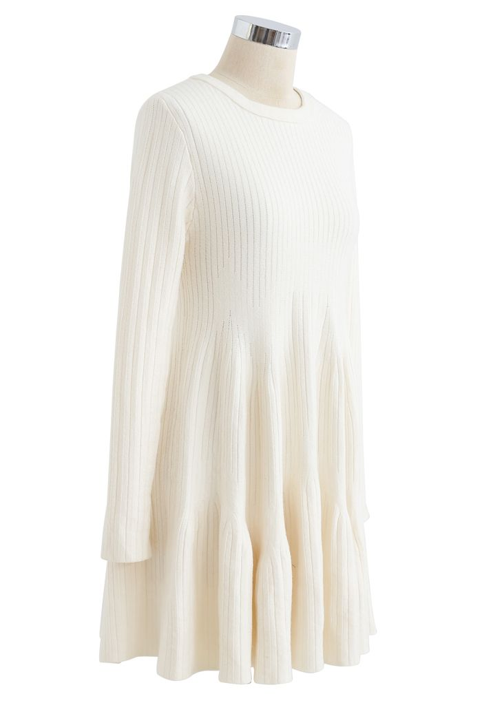 Frilling Hem Round Neck Knit Dress in Cream