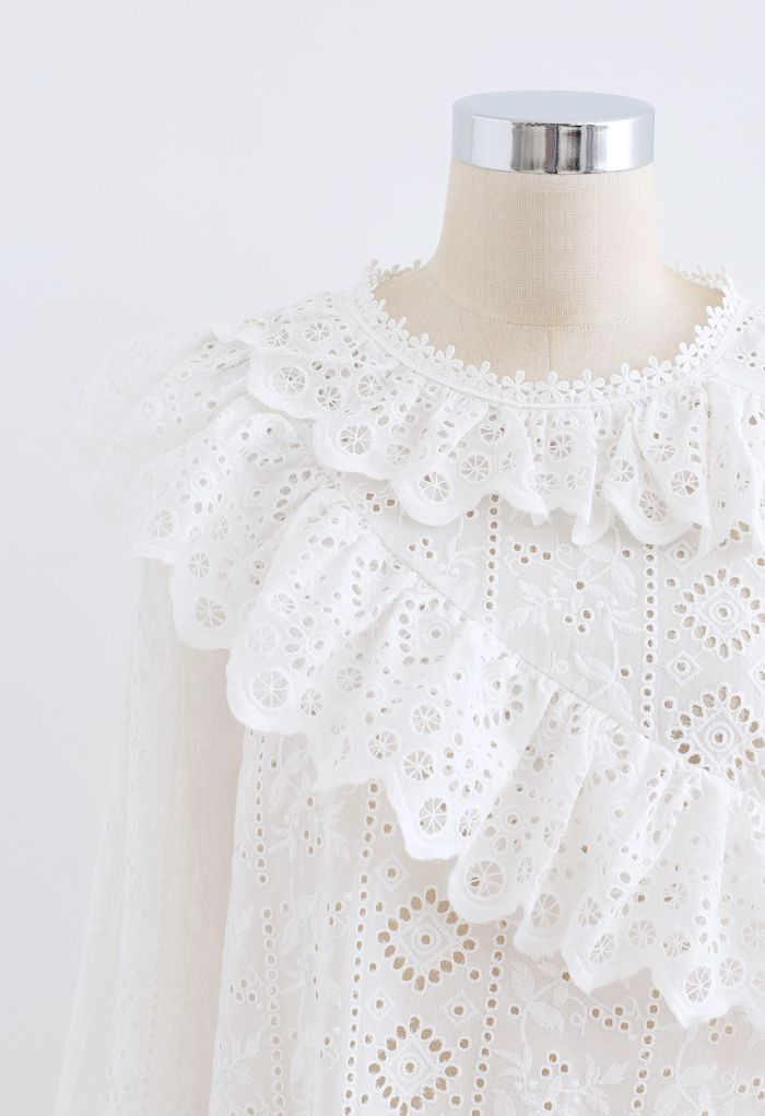 Embroidered Floral Eyelet Ruffle Top in White