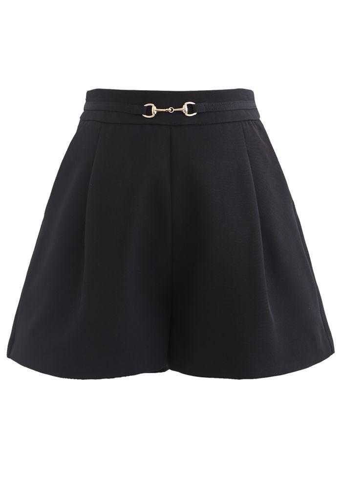 Horsebit Side Pockets Shorts in Black
