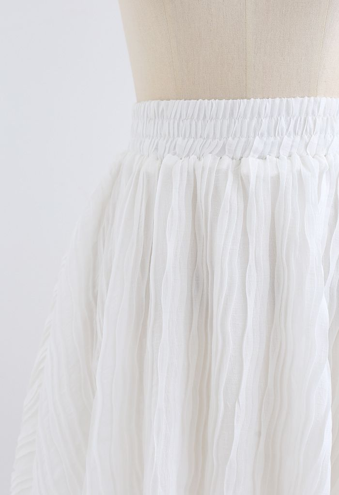 Ripple Embossed Double Layers Skorts in White
