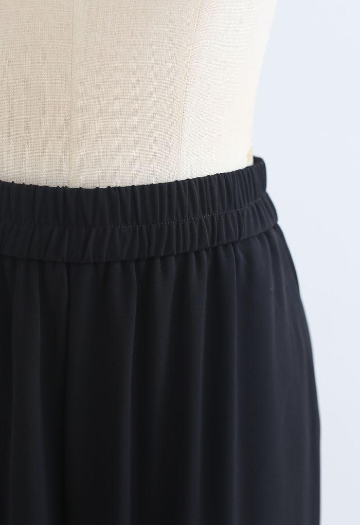 Elastic Waist Straight-Leg Pants in Black