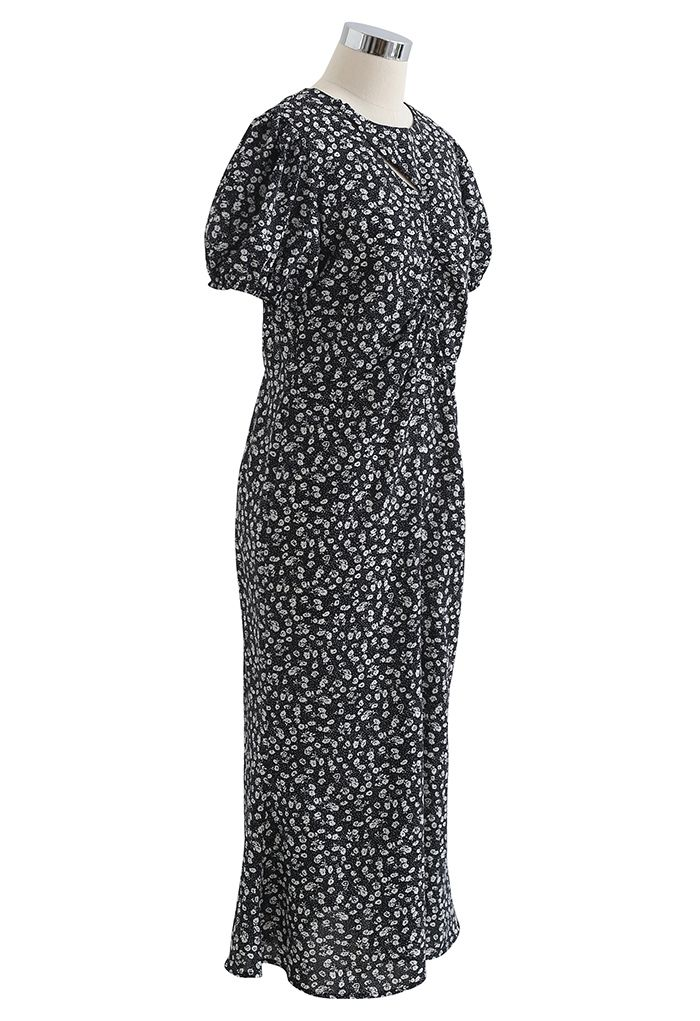 Cutout Detail Floral Print Ruched Midi Dress in Black