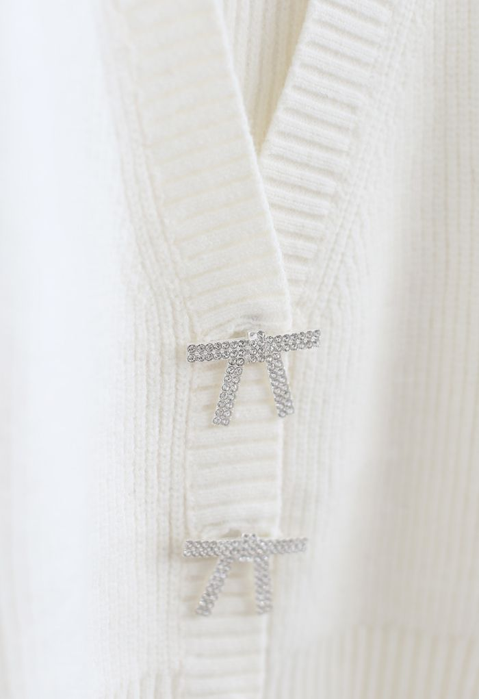 Bowknot Brooch Button Up Crop Knit Cardigan in White