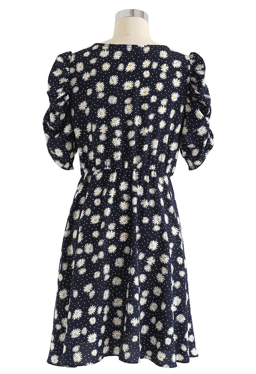 Full-Blown Daisy Print Wrapped Midi Dress in Black