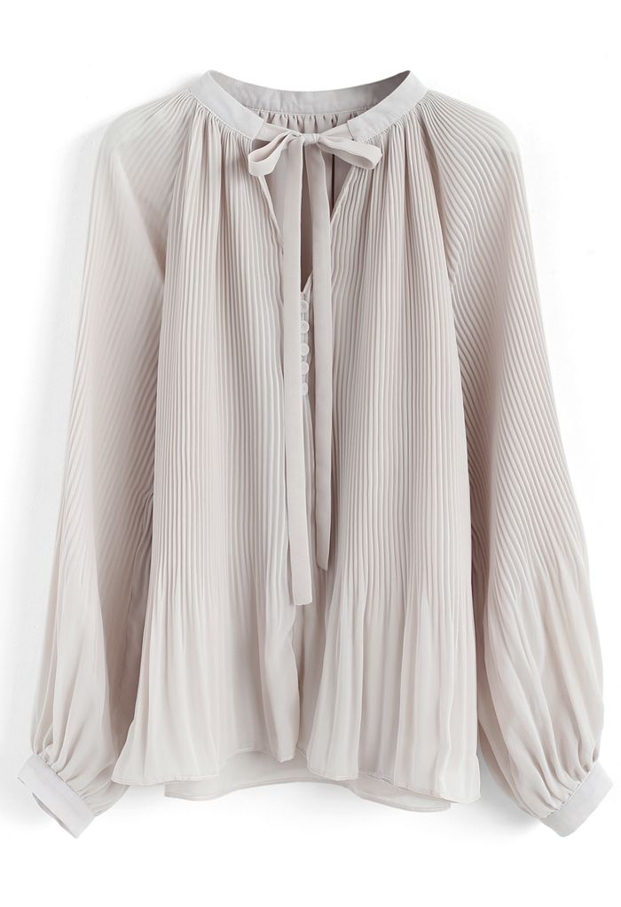 Winsome Look Pleated Chiffon Top in Cream