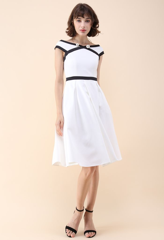 Contrast Refinement Flare Dress in White