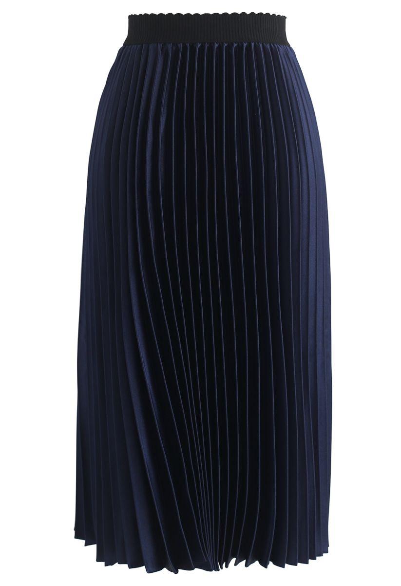 Glam Slam Pleated Midi Skirt in Navy