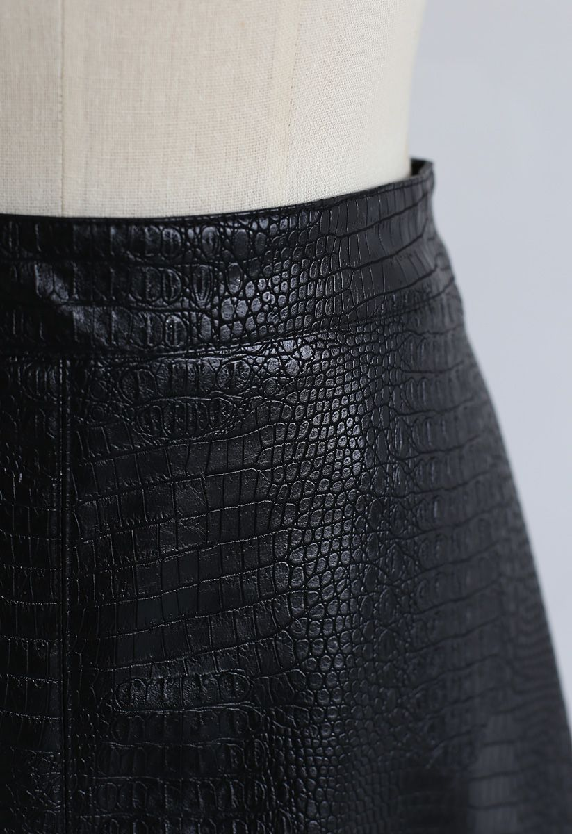 Crocodile Print Faux Leather Skirt in Black