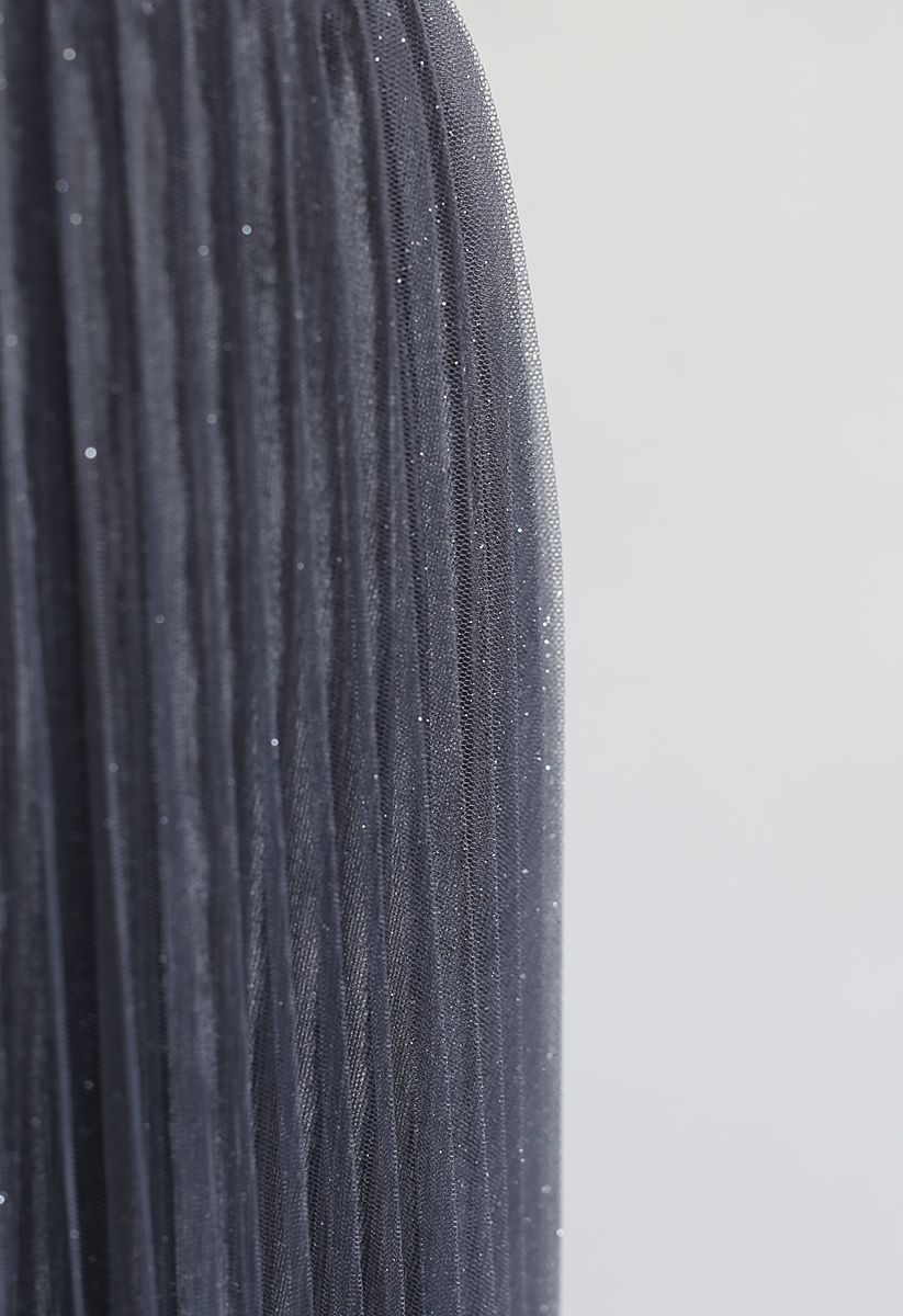 Gradient Shiny Mesh Pleated Skirt in Grey