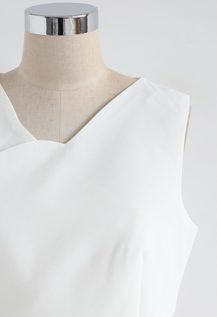 Savvy Cross Wrapped Crop Top in White
