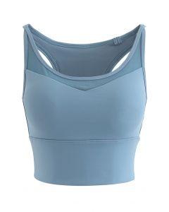 Mesh Spliced Crisscross Medium-Impact Sports Bra in Blue