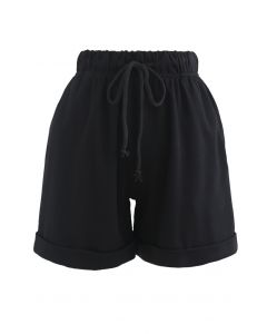 Folded Hem Drawstring Pockets Shorts in Black