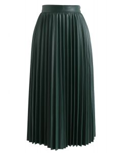 Faddish Gloss Pleated Faux Leather A-Line Skirt in Dark Green