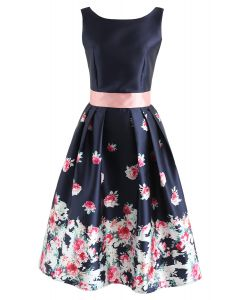 Gone With Rose Printed Dress in Navy