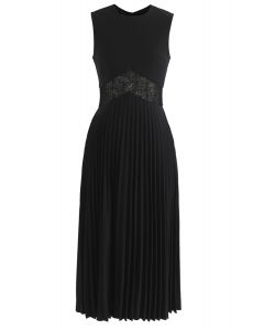 Walk of Fame Lace Inserted Pleated Dress in Black