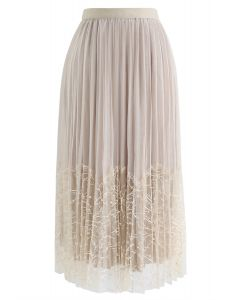 Pearls Embroidered Mesh Velvet Pleated Skirt in Cream